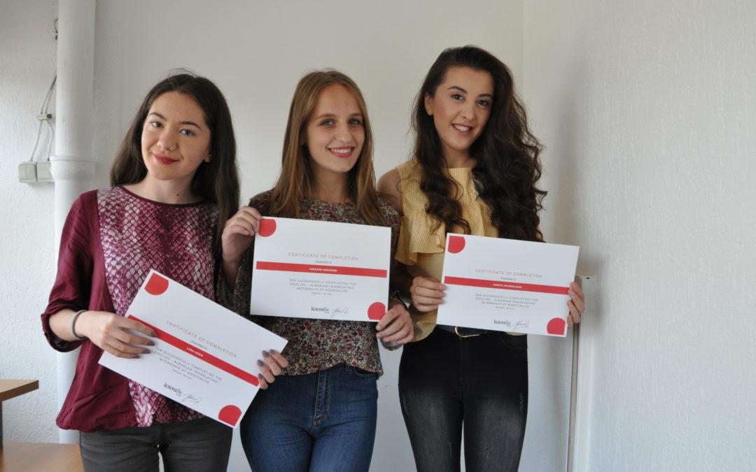 Studentet e Universitetit të Prishtinës përfunduan zhvillimin profesional 3 mujorë në KosovaLive