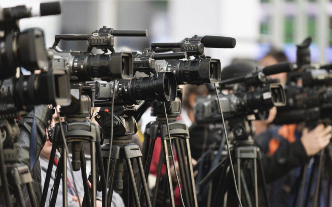 Mediat dhe gazetarët kërkojnë zgjidhje për të ardhmen pas pandemisë