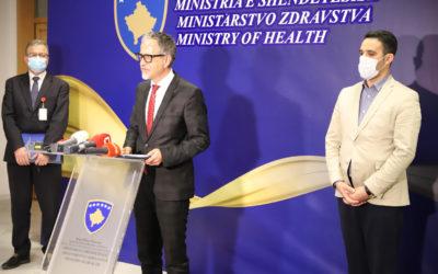 Ministri Vitia: Lajmet e pavërteta rrezikojnë sigurimin e vaksinave kundër COVID-19