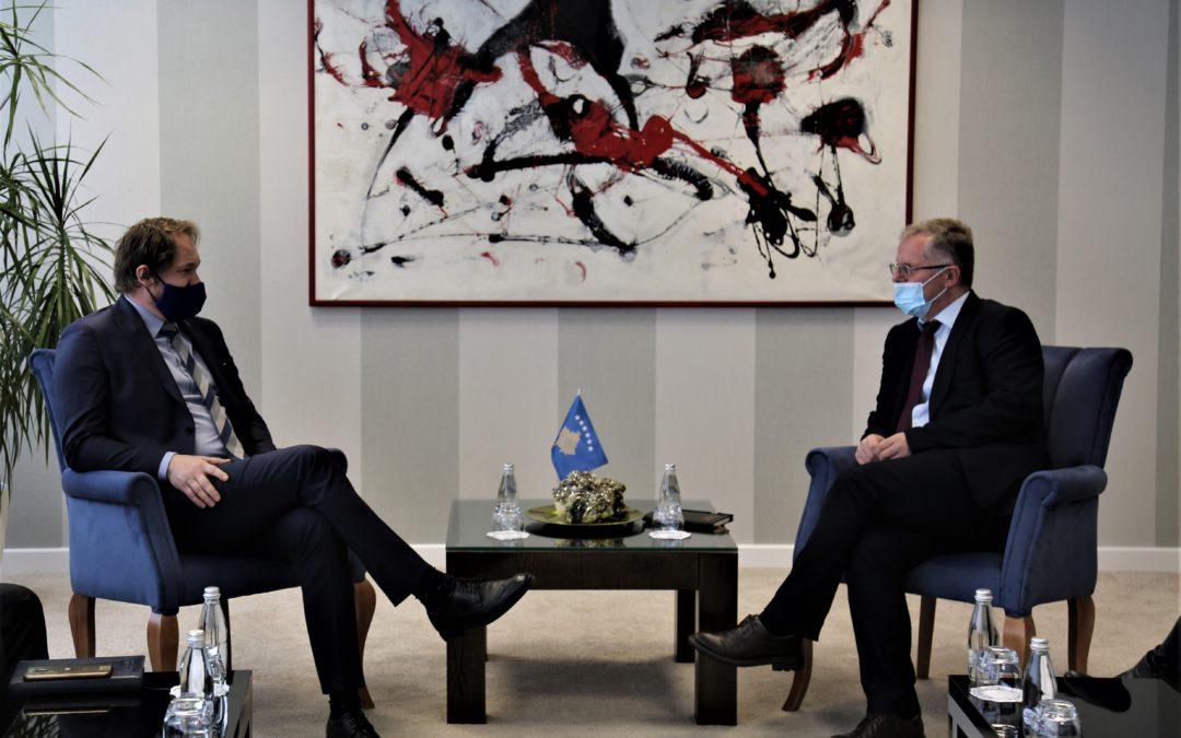 Bislimi- Kostilník: Thirrje Sllovakisë që të bëhet pjesë e grupit të BE-së që e njeh Kosovën